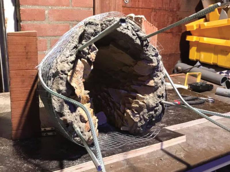 waterval-grot-bouw-volledig-steen-ingelegt